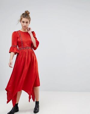 Moon River Платье миди с вышивкой. Цвет: красный