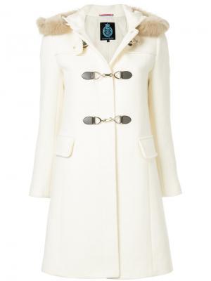 Пальто-дафл с капюшоном Guild Prime. Цвет: белый