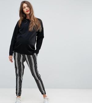 New Look Maternity Суженные книзу брюки в полоску. Цвет: черный