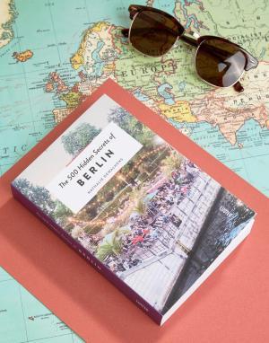 Books Книга 500 Hidden Secrets Of Berlin. Цвет: мульти