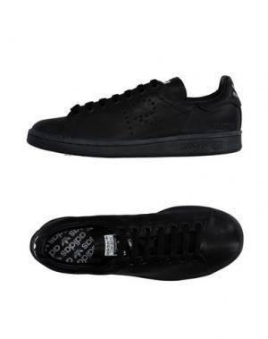 Низкие кеды и кроссовки RAF SIMONS. Цвет: черный