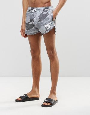 Abuze London Короткие шорты для плавания с камуфляжным принтом. Цвет: серый