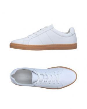 Низкие кеды и кроссовки WHISTLES. Цвет: белый