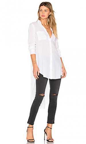 Рубашка на пуговицах с разрезами по бокам Enza Costa. Цвет: белый