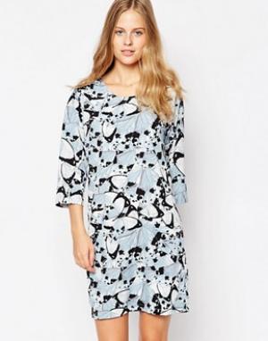 Soaked in Luxury Платье с принтом и рукавами 3/4. Цвет: мульти