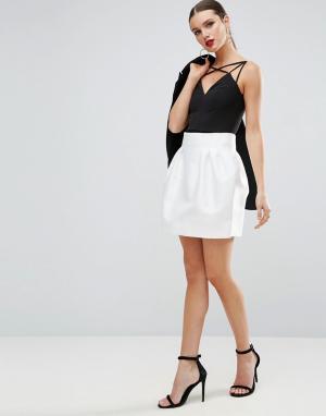 ASOS Атласная мини-юбка с завышенной талией. Цвет: белый