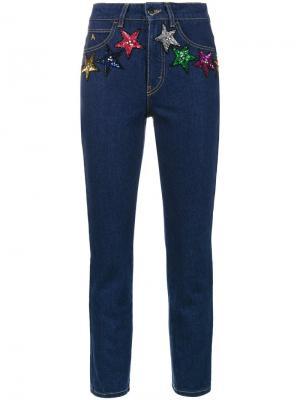 Укороченные джинсы стандартной посадки со звездами из блесток Attico. Цвет: синий