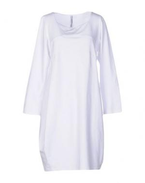 Короткое платье CORINNA CAON. Цвет: белый