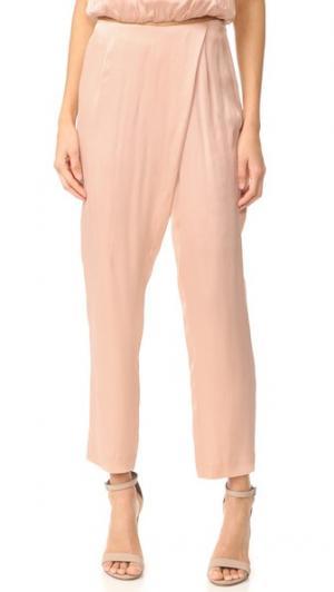 Шелковое платье брюки KENDALL + KYLIE. Цвет: розовое облако