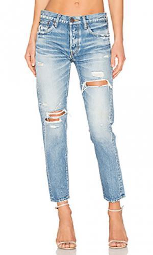 Состаренные облегающие джинсы bowie Moussy. Цвет: none