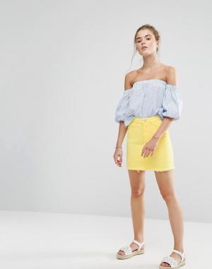 New Look Джинсовая мини-юбка с необработанным краем. Цвет: желтый