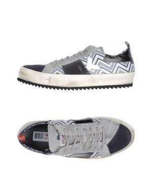 Низкие кеды и кроссовки YAB. Цвет: серый