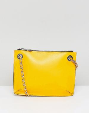 ASOS Кожаная сумка через плечо с ремешком-цепочкой. Цвет: желтый