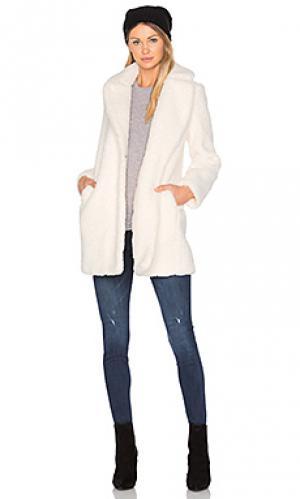 Пальто из искусственного меха marquise MKT studio. Цвет: ivory