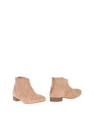 Полусапоги и высокие ботинки EYE. Цвет: верблюжий