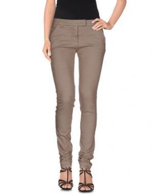 Джинсовые брюки E-GÓ. Цвет: хаки