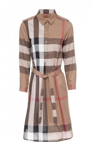 Хлопковое платье-рубашка с поясом и погонами Burberry. Цвет: коричневый