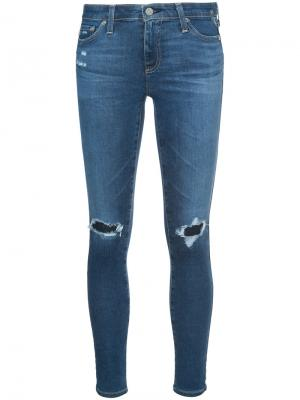 Джинсы кроя скинни с потертой отделкой Ag Jeans. Цвет: синий
