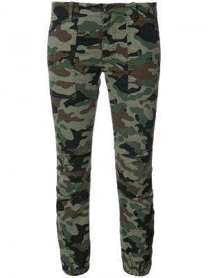 Камуфляжные брюки карго в стиле милитари Nili Lotan. Цвет: зелёный