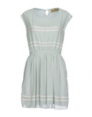 Короткое платье LOVESTRUCK. Цвет: светло-зеленый