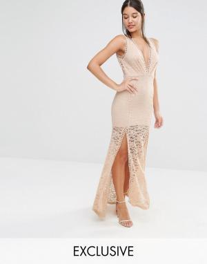 Love Triangle Кружевное платье макси с глубоким вырезом и решетчатой отделкой T. Цвет: розовый