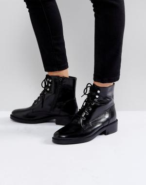 Carvela Черные ботинки в стиле милитари на шнуровке Skewer. Цвет: черный