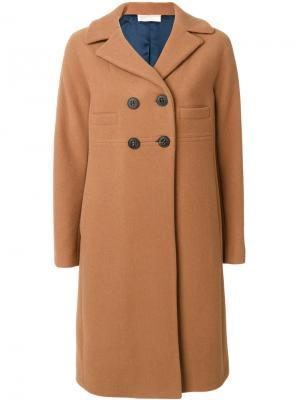 Классическое приталенное пальто Mantu. Цвет: телесный