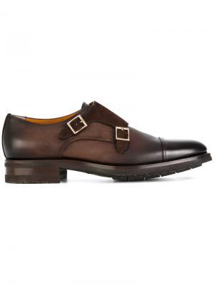 Туфли-монки с золотистыми пряжками Santoni. Цвет: коричневый