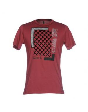 Футболка SSEINSE. Цвет: красно-коричневый