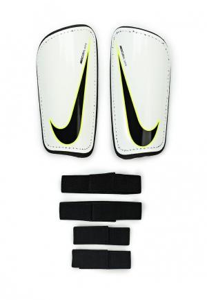 Щитки Nike. Цвет: белый