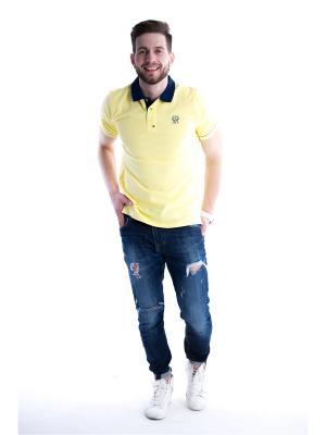Футболка-поло ISEE. Цвет: желтый