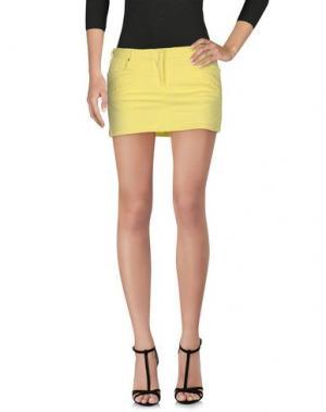 Джинсовая юбка PIERRE BALMAIN. Цвет: желтый