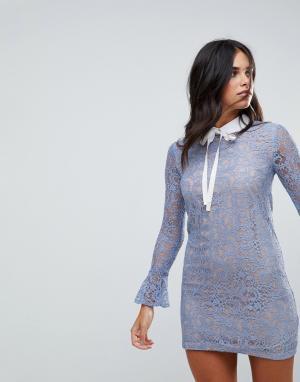 The English Factory Кружевное платье с длинными рукавами, воротником и завязкой Englis. Цвет: синий