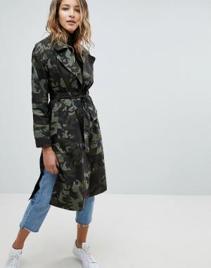 Missguided Пальто с камуфляжным принтом и поясом. Цвет: синий