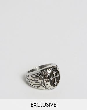 Seven London Массивное кольцо с крестом эксклюзивно для ASOS. Цвет: серебряный