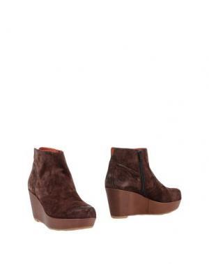 Полусапоги и высокие ботинки LIEBESKIND Berlin. Цвет: коричневый