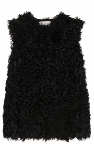 Жилет из меха ягненка с вышивкой бисером Valentino. Цвет: черный