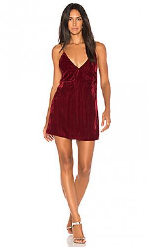 Платье-комбинация velvet Nightcap. Цвет: красный