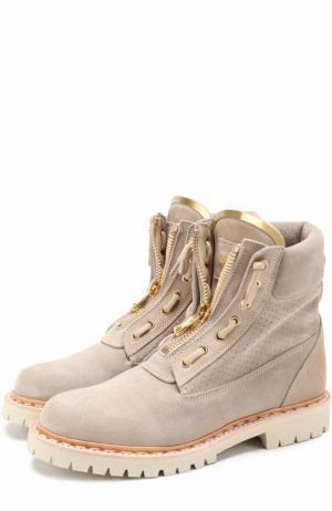 Замшевые ботинки с декором Balmain. Цвет: серый