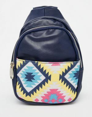 Urban Originals Рюкзак с принтом на кармане. Цвет: темно-синий