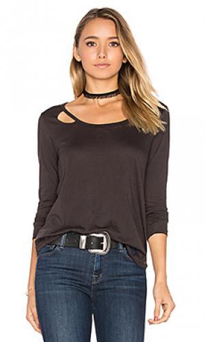 Рваная футболка с длинным рукавом Chaser. Цвет: черный