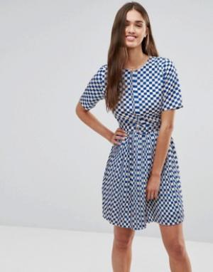 Darling Короткое приталенное платье в крупную клетку. Цвет: синий