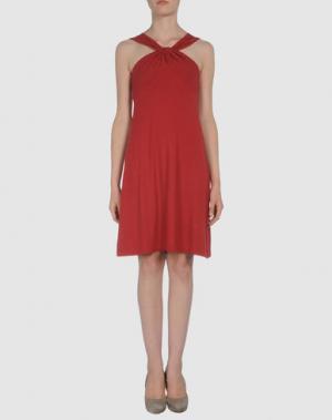 Короткое платье AINOS. Цвет: красный