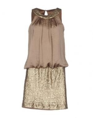 Короткое платье CASTING. Цвет: хаки