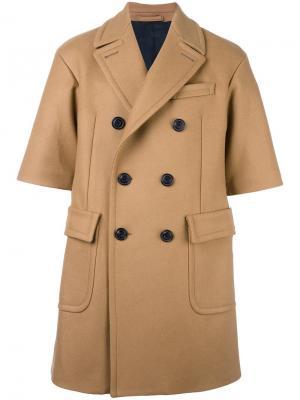 Двубортное пальто с короткими рукавами Wooster + Lardini. Цвет: телесный