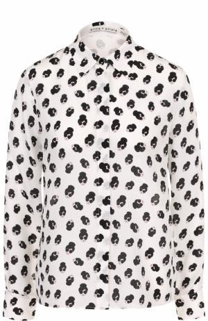 Шелковая блуза с контрастным принтом Alice + Olivia. Цвет: черно-белый
