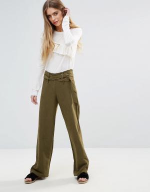 First & I Широкие брюки с поясом. Цвет: зеленый