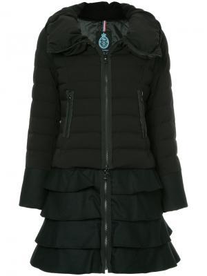 Куртка-пуховик с оборками Guild Prime. Цвет: чёрный