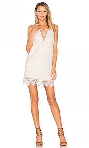 Платье escape Lovers + Friends. Цвет: белый