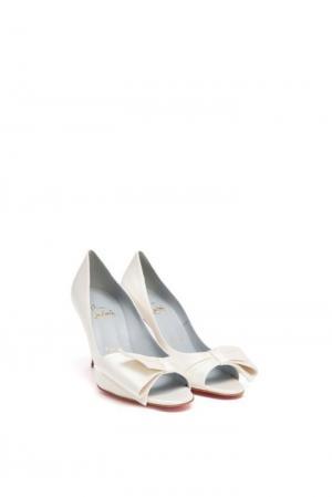 Туфли Christian Louboutin. Цвет: белый